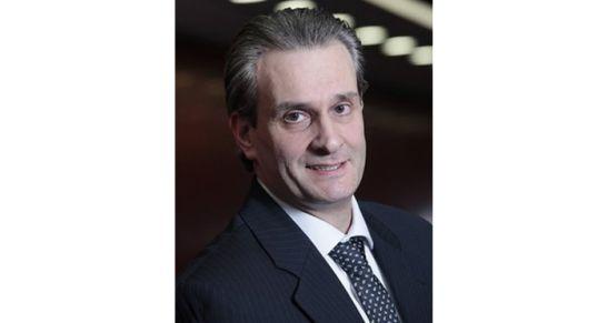 Karriere in der Projektlaufbahn Oliver Maus ist der 500. zertifizierte Großprojektleiter des Technologie- und Dienstleistungsunternehmens Bosch. Damit gehört der 51-jährige Bosch-Mitarbeiter zu den Spezialisten im Unternehmen, die über besonderes Know-how in der Führung großer oder sehr komplexer Projekte verfügen. Bosch bietet mit der Führungs-, Fach- und Projektlaufbahn drei Karrierepfade, die finanziell und organisatorisch vergleichbar sind.