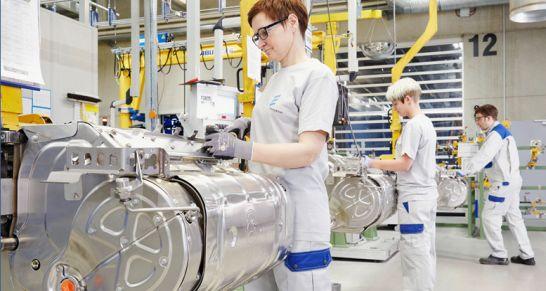 Von Wilsdruff auf die Straßen Europas – im neuen Eberspächer-Werk werden Abgasanlagen für Nutzfahrzeuge nach der neuen Euro-6-Norm hergestellt.