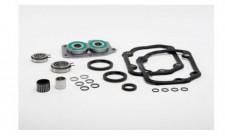 Praxisnah: Die jeweilige INA GearBOX enthält alle für die getriebespezifische Reparatur erforderlichen Einzelteile – hier für das Pkw-Getriebe 02T. Werkstätten können so Getriebeschäden selbst beheben – fachgerecht, zeitnah und profitabe