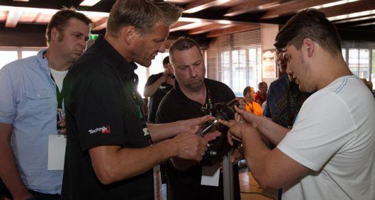 Auf den Werkstattevents geben die Spezialisten von Schaeffler Automotive Aftermarket jede Menge Tipps und Tricks für den fachgerechten Produkteinbau und -ausbau.