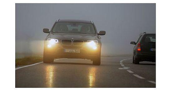 TÜV-Süd - Bei Nebel gilt Abblendlicht einschalten