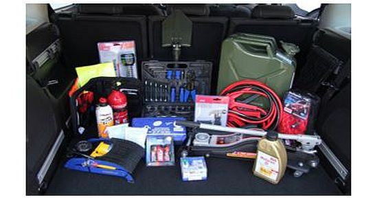 Sicher unterwegs – Das perfekte Survival-Kit fürs Auto