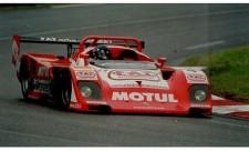 Abb.: Ein echter Leckerbissen für Liebhaber historischer Fahrzeuge: der Kremer Porsche K8 Spyder (nähere Hintergründe auch unter www.k8-racing.com; im Bild mit HansJoachim Stuck am Steuer beim 24-Stunden-Rennen von Le Mans 1995)