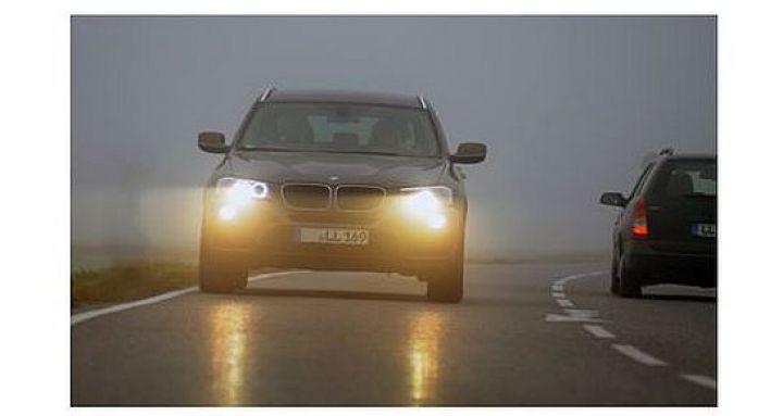 Bei-Nebel-gilt-Abblendlicht-einschalten.jpg