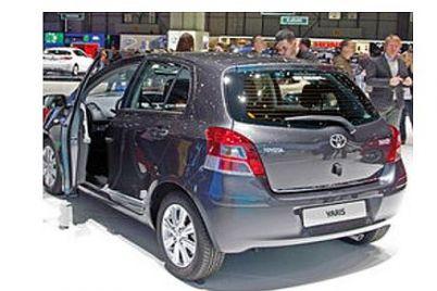 Rameder-Anhängerkupplung-Toyota-Yaris.jpg