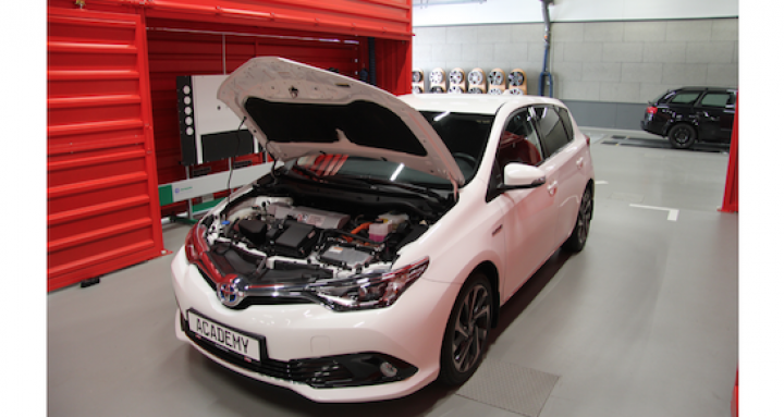 a.t.u-hybridfahrzeuge-efahrzeuge-wartung-reparatur-1.png