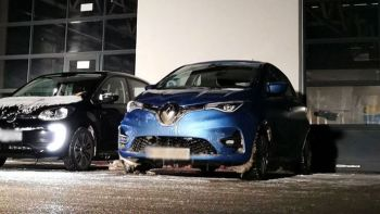 adac-elektoautos-kalte-renautl-zoe-vw-eup-winter.jpg