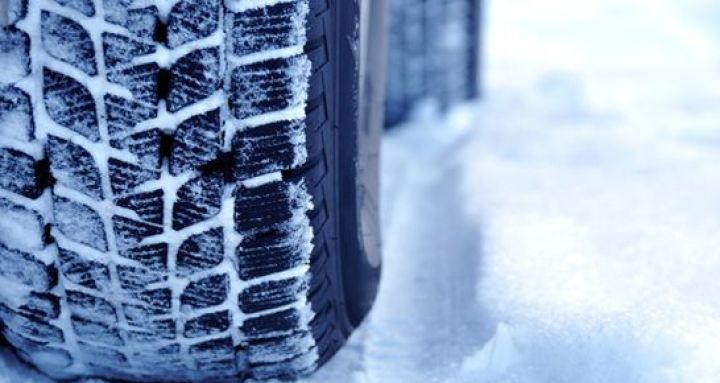 atu-autofahrer-winter-schnee-eis-kälte.jpg