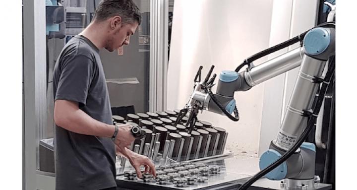 bilstein-group-engineering-roboter-cobot-1.png