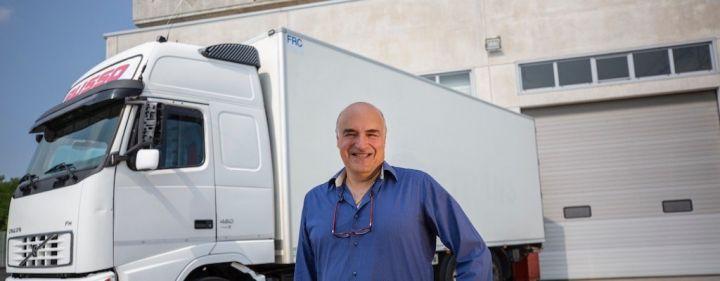 clarios-varta-amg-batterie-lkw-truck-kucc88hlung.jpg