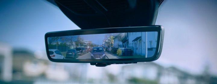 ford-ruckspiegel-nutzfahrzeuge-transit-fahrsicherheit-vollbildanzeige.jpg