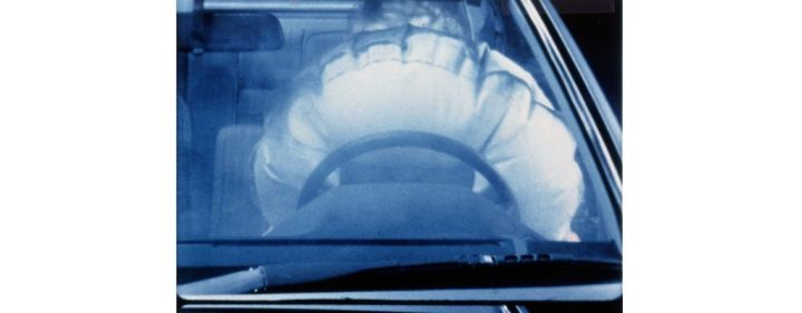 mercedesbenz-sklasse-fahrerairbag-airbag.jpg